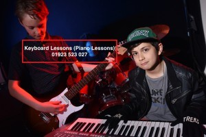 keyboard lessons watford